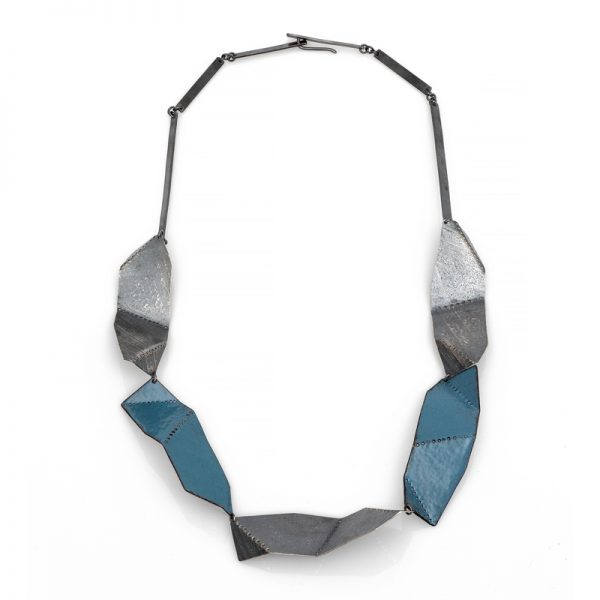 Folded wave necklace. Enamel and silver. Jane Pellicciotto